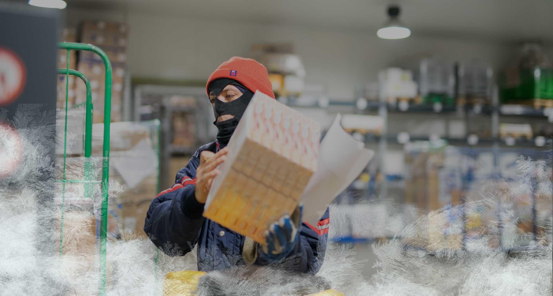 addetto Meno20 in cella frigo